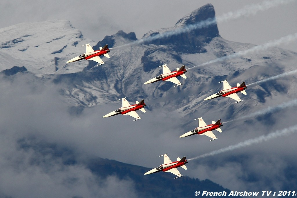 Patrouille Suisse aerobatic display team , Meeting Aerien Breitling Sion Air Show 2011
