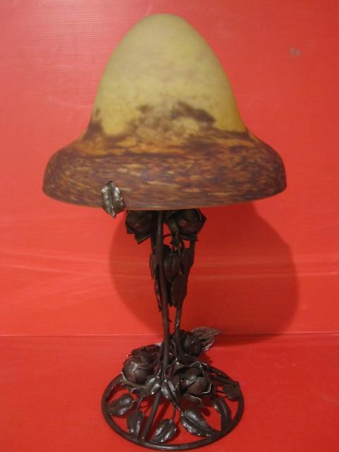 Pied de lampe de chevet art nouveau for Pied de lampe de chevet