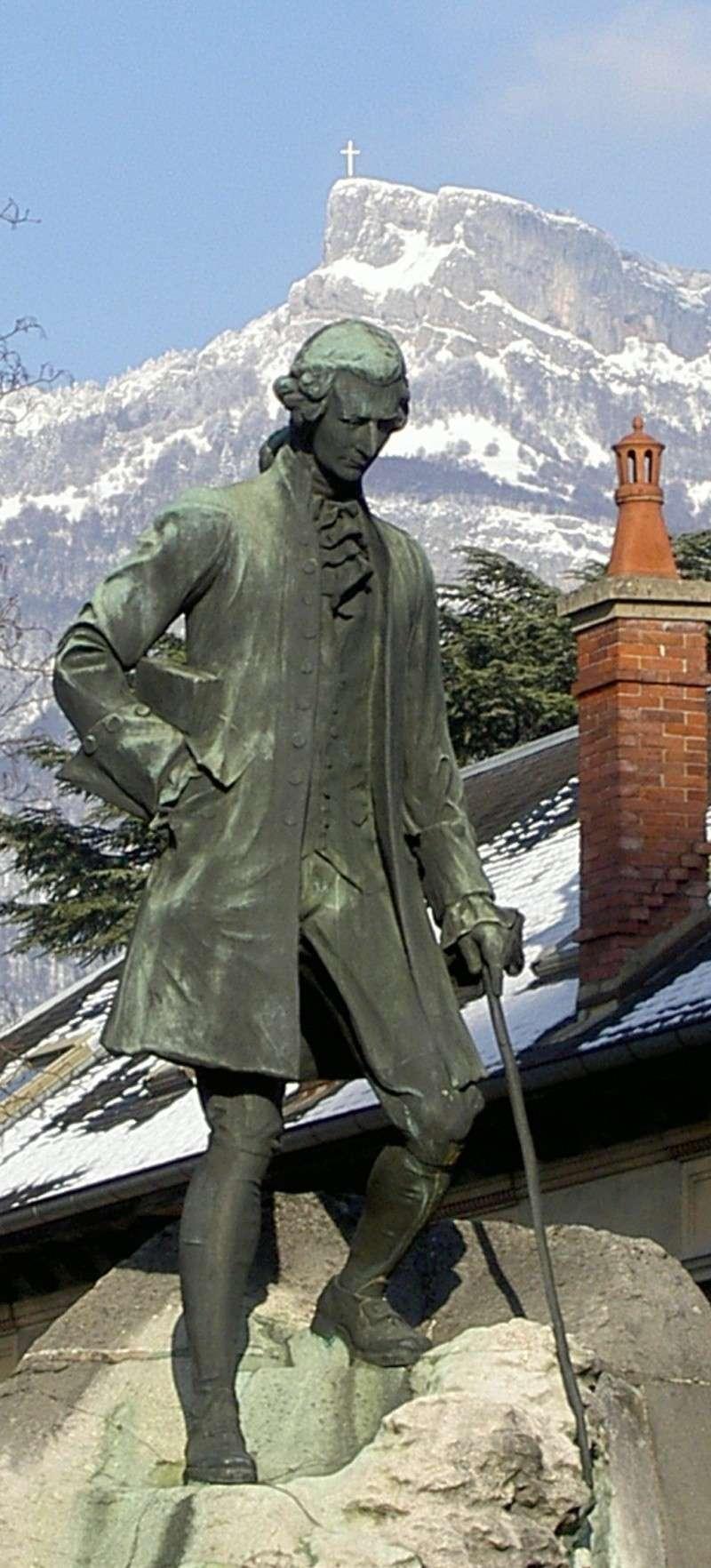 rousseau-statue