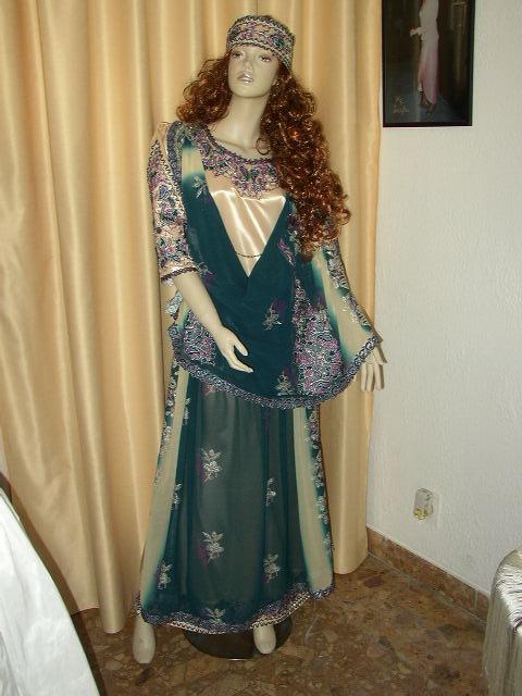 شامل عادات وتقاليد الجزائريين الأعراس 0118.jpg