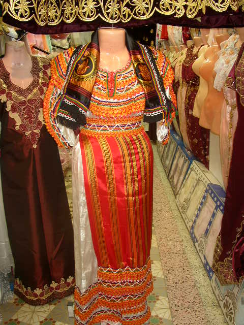 شامل عادات وتقاليد الجزائريين الأعراس