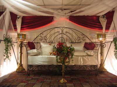 العادات الجارية في الأعراس الجزائرية