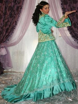 أناقة العروس الجزائرية neggaf37.jpg
