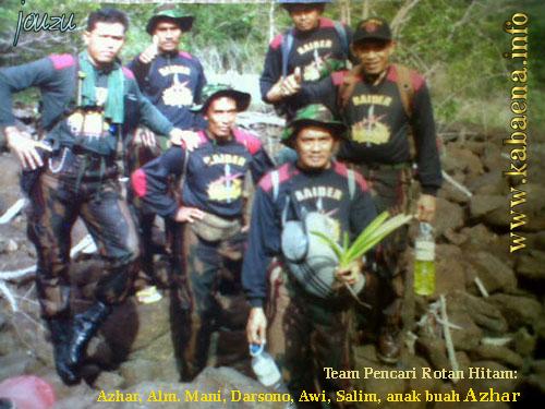 Team Pencari Rotan Hitam