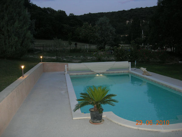 Tarif piscine desjoyaux 8x4 for Construction piscine 8x4