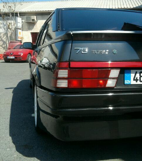 La Secte Italienne Debarque.Alfa 75 Turbo Quadrifoglio