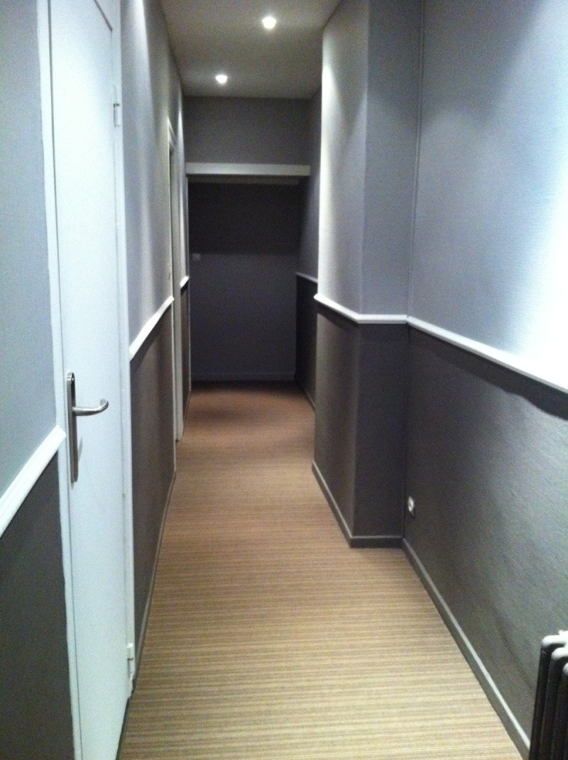 D fi rendre chaleureux un long couloir for Quelle couleur pour un couloir sombre