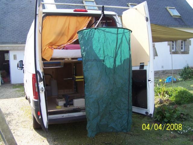 Eau chaude - Douche solaire camping car ...